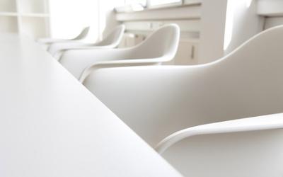 Büromöbel in Weiß