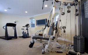 Fitnessraum im Keller einrichten