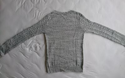 Pullover falten Schritt 1