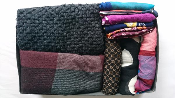 Schals & Tücher im Karton