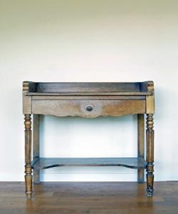 Günstiger Schreibtisch im Landhausstil
