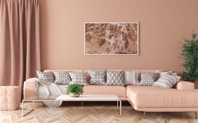 Warme Farbgestaltung im Wohnzimmer: Koralle
