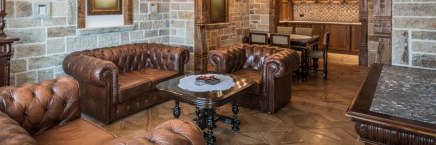 Sofa im Kolonialstil