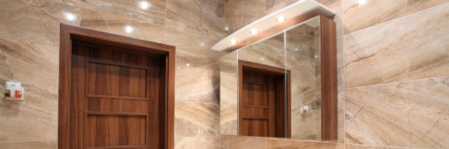 Spiegelschrank Bad - Holz, LED, mit Steckdose | Furnerama